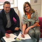 Tony Porter and Elizabeth Denham sign the Memorandum of Understanding