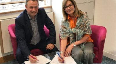 Tony Porter and Elizabeth Denham sign the Memorandum of Understanding
